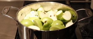 apples cooking for homemade applesauce