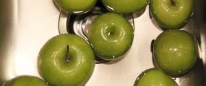 apples for easy homemade applesauce
