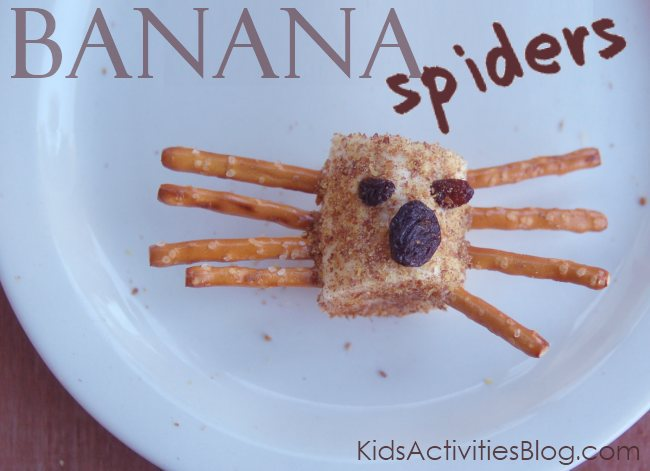 banana spiders - a healthy creepy snack for kids.