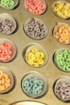 Fruit Loops – Edible Color Activities for your Preschooler!
