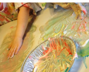 preschoolers sunscreen fingerpainting