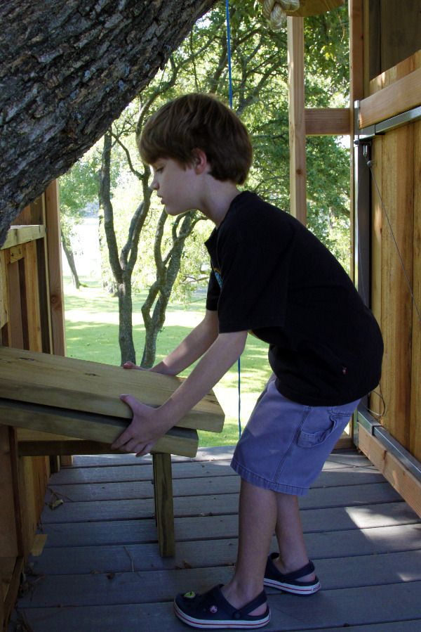 tree house platform for zipline