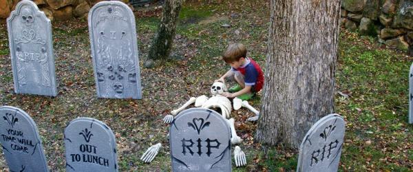 halloween grave yard decorations
