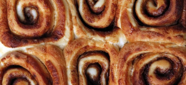 finished easy cinnamon roll recipe