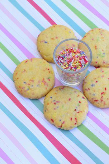 20 Festive Valentine's Day Cookies