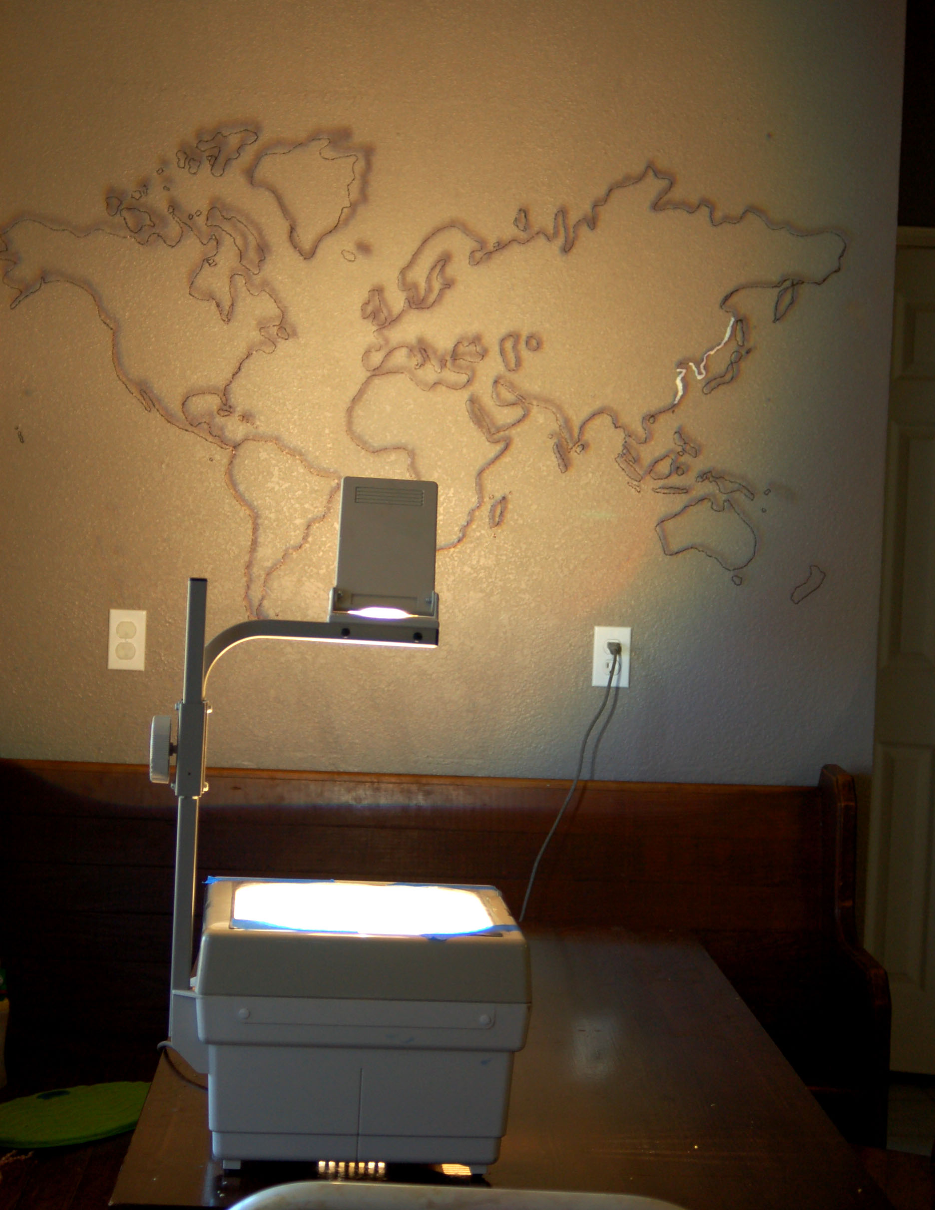 Diy world map mural for Best projector for mural painting
