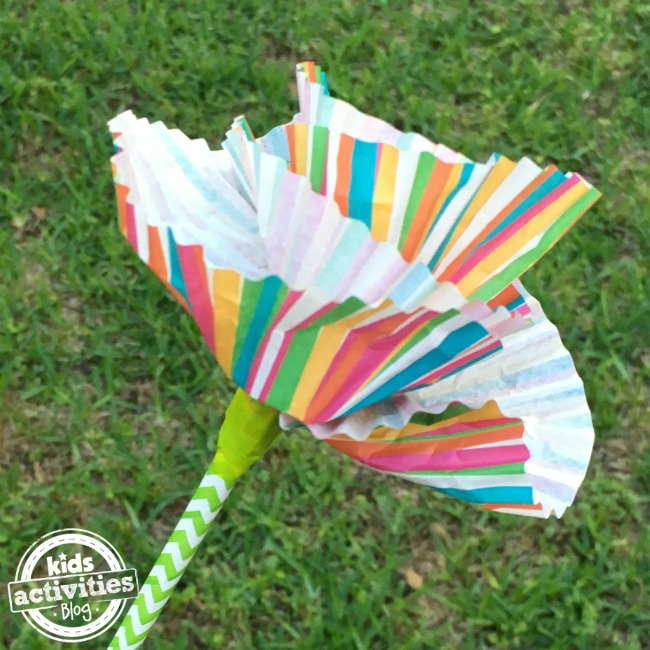 cupcake liner flowers kids can make