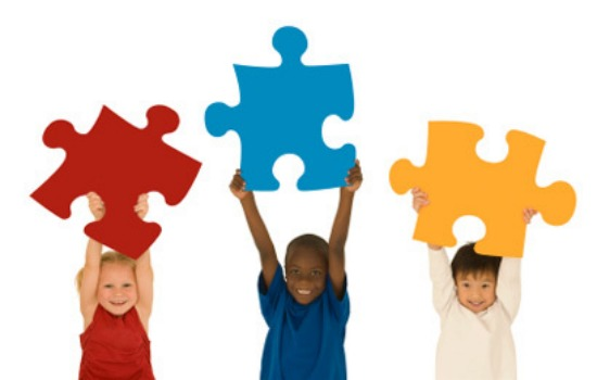 Kids and puzzle pieces 550x350