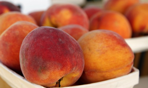 fresh peaches from the bartonville farmers market