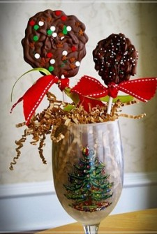 Gifts Kids Can Make:  Chocolate Lollipops