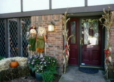 outdoor autumn decor