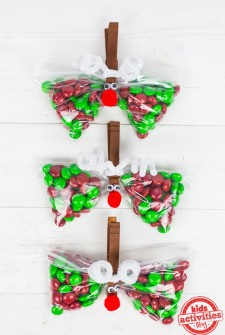 Christmas Party Favor: Reindeer Treat Bags