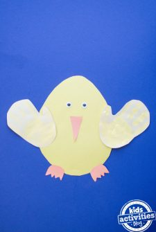 Preschool Easter Chick Craft {ADORABLE!}