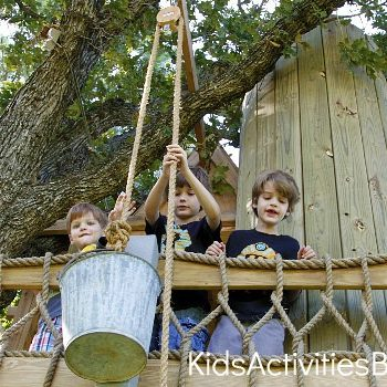 bucket pulley on treehouse