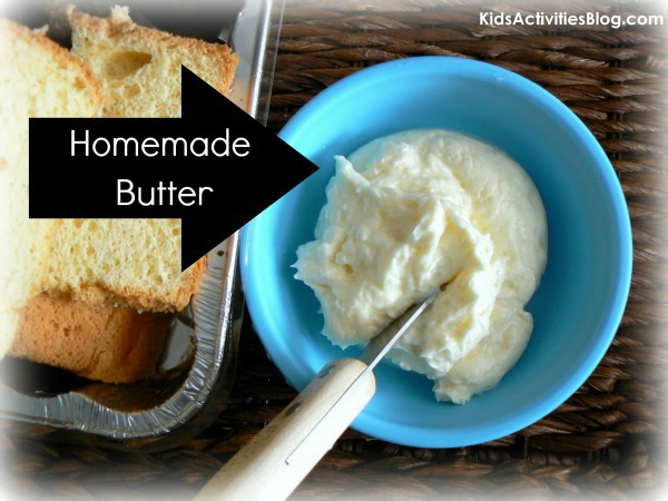 Making Butter {30 Days of Thanksgiving Activities for Kids }  ~  HowToHomeschoolMyChild.com