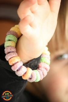 Preschool Activities: Cheerios Bracelet