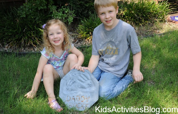 kids with personalized stepping stone