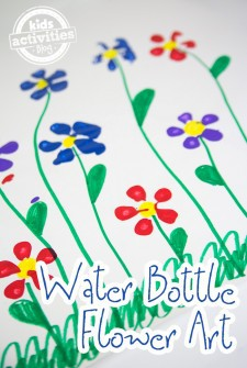 Painting Craft: Water Bottle Flowers