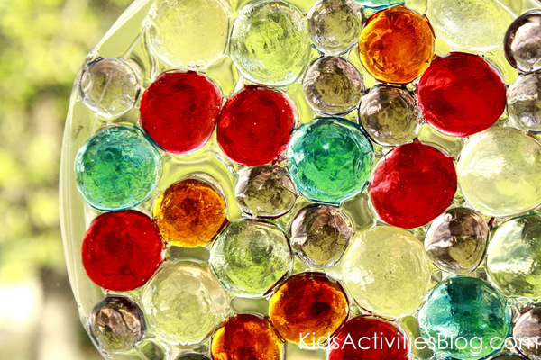 Glass gem sun catchers kids can make for Glass jewels for crafts