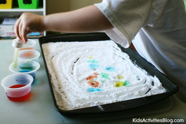 sensory activities with baking soda and vinegar