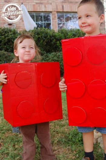 easy diy costume for halloween, a lego brick