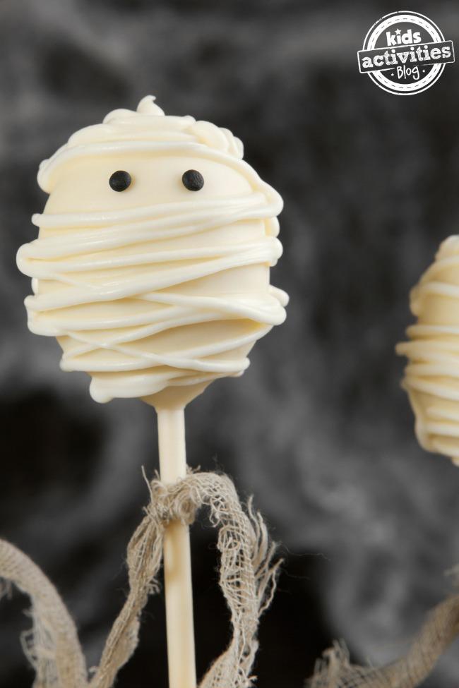 mummy oreo pop