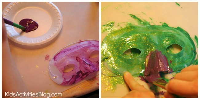 Make a mask for Mardi Gras with this fun kids activity