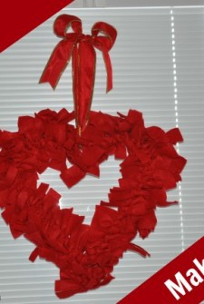 Kids can make a wreath for Valentines Day!