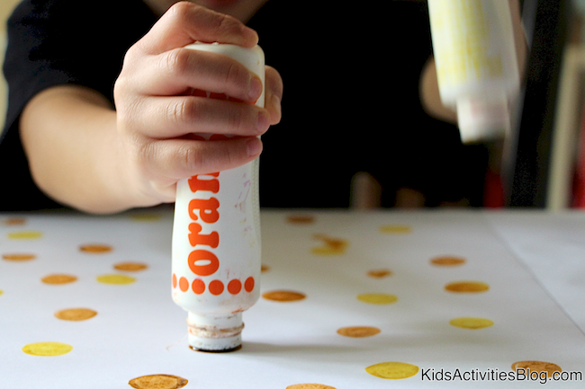 Make an easy Easter Bunny with this Bingo Dauber Easter Craft