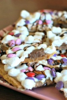 Valentine smores - Kids Activities Blog