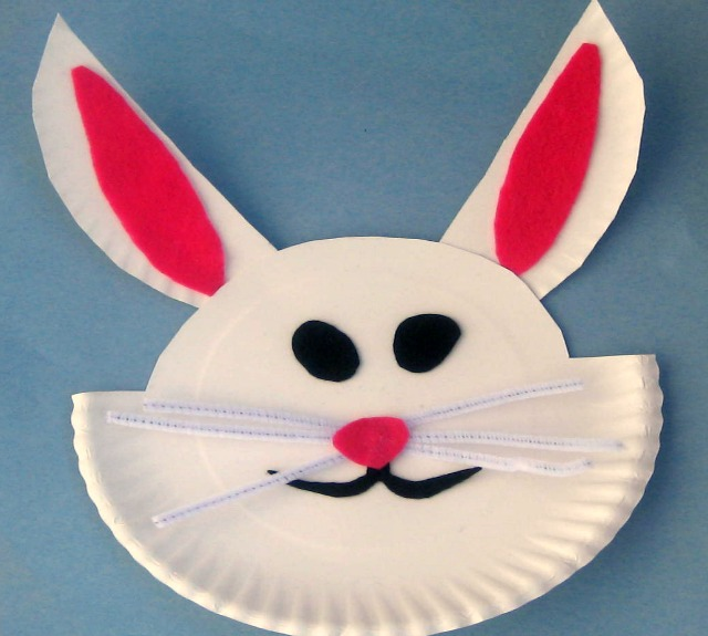 Cute craft to learn how to make an Easter bunny {easy Easter craft for kids}