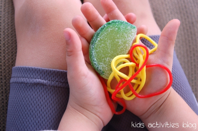 Popsicle Ice Pops with Candy Surprise!