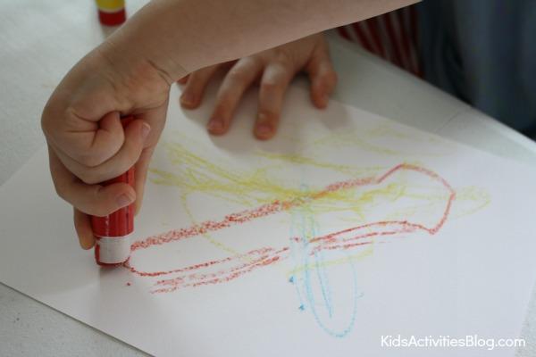 Crayon Activity for Parents that Kids Love {DIY Crayons!}