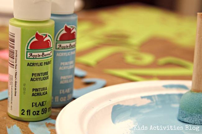 Plaid Apple Barrel Paint
