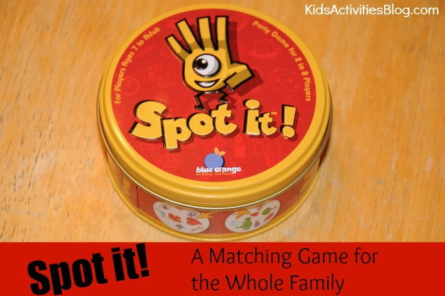 Spot It! {Family Games}: A Matching Game for the Whole Family