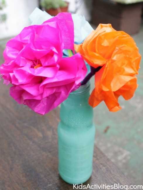 How to make tissue paper flowers mexican paper flowers cinco de mayo for kids tissue paper craft make a paper flower mightylinksfo