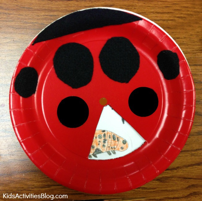 We love this adorable ladybug life cycle science craft for kids!