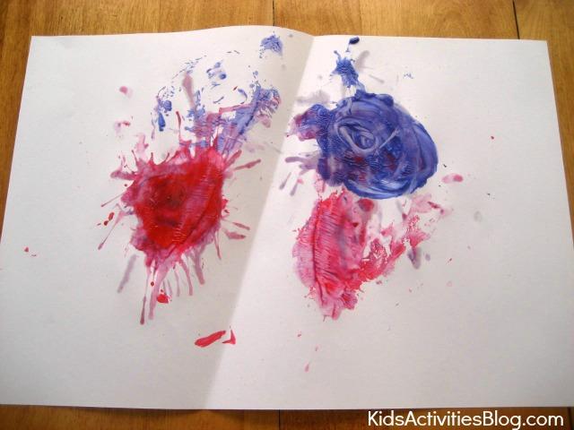 Peinture amusante sur les feux d'artifice du 4 juillet pour les enfants