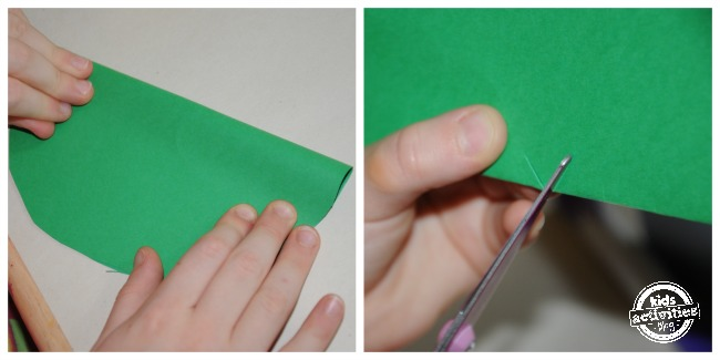 Green paper frog craft