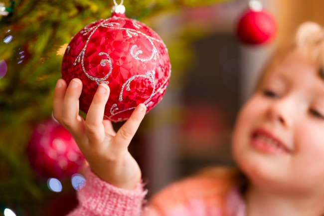 Decorating for Christmas on a budget - Kids Activities Blog