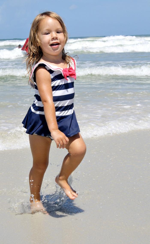 Kid beach Nude Photos 39