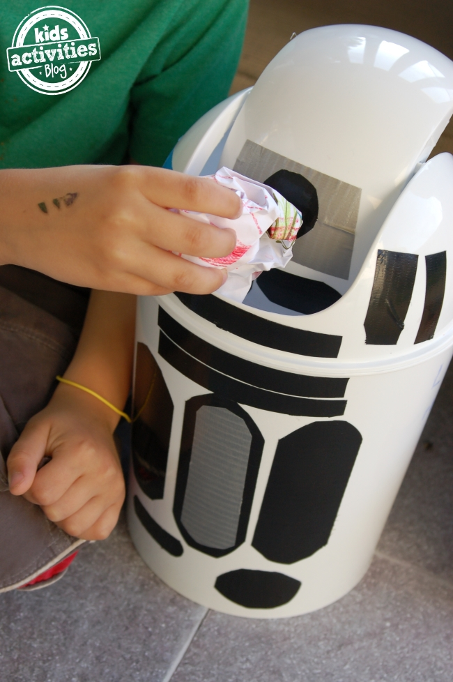 STAR WARS -  a trash can CRAFT!!