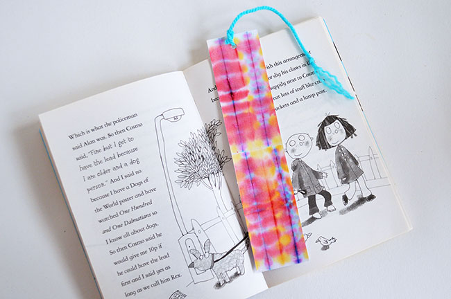 dye art for kids by Michelle McInerney of MollyMooCrafts for KidsActivitiesBlog