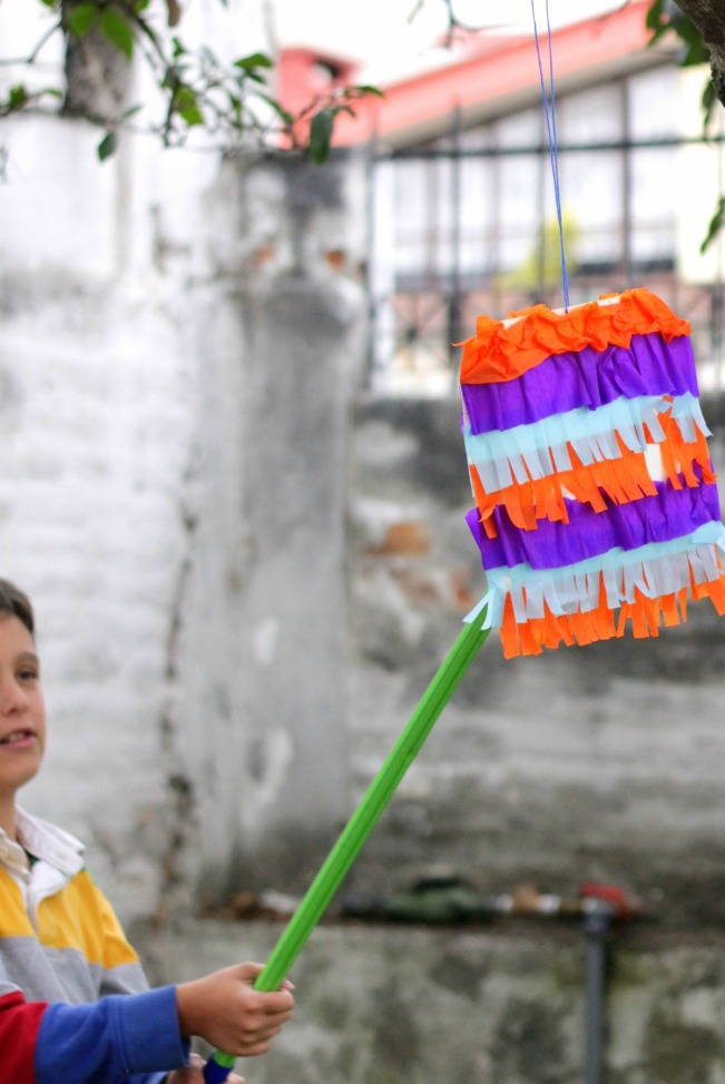 Celebrate Cinco de Mayo and Make a Paper Plate Piñata!