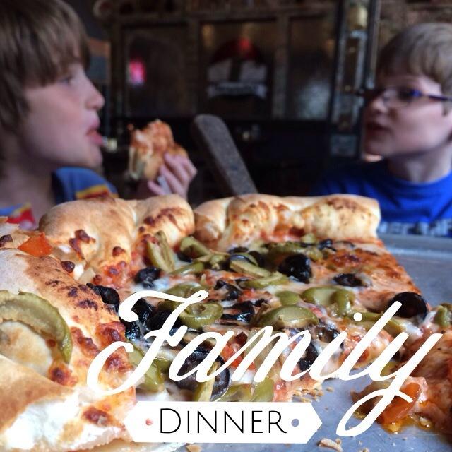 Studio App - Family Dinner