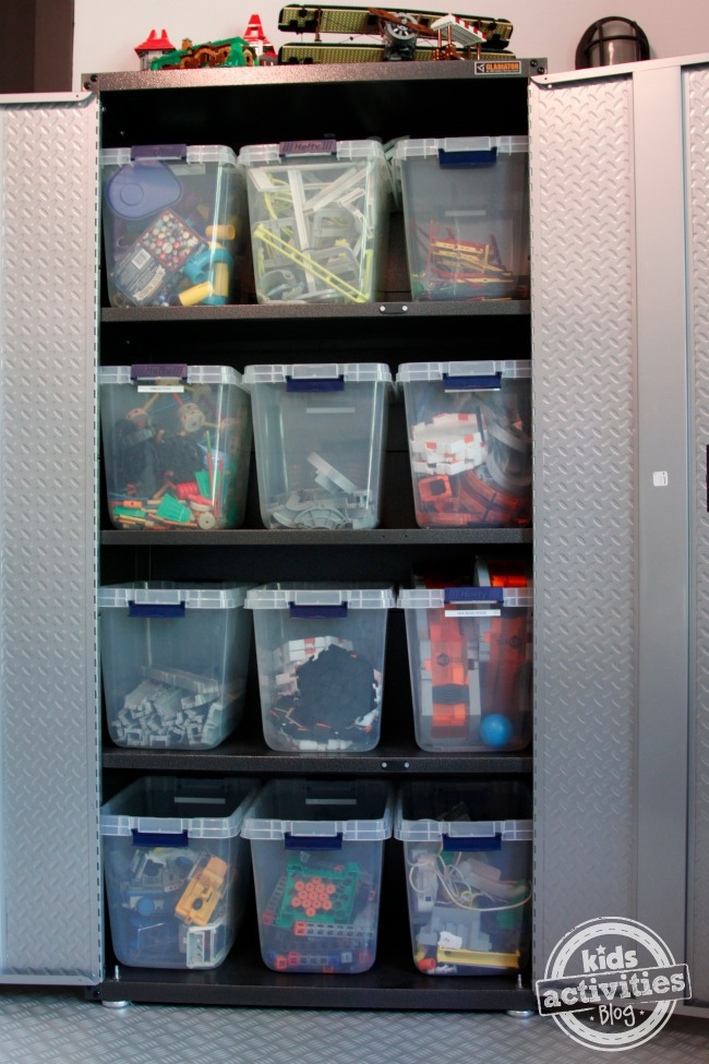 Toy Storage For Boys : Boys share room