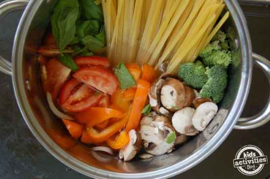 pot rainbow veggie pasta