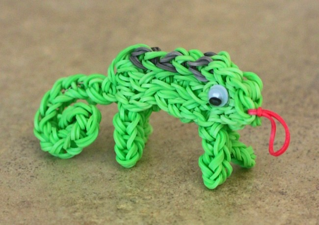 chameleon rainbow loom charm to make