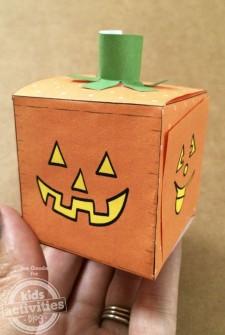 Jack-o-lantern pumpkin block