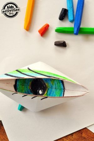 Make a blinking eye out of paper